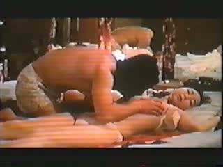 川上 麻衣子、金八先生にも出演し子役から熟女まで活躍の女優。ヌードで巨乳を揉まれ、吸われ、男とSEXもする濡れ場、の動画